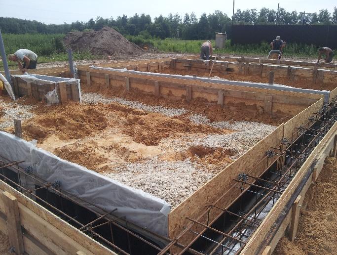 Залив фундамента под забор в Королёве